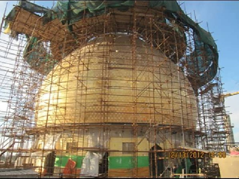 Strengthening the historical dome of the shrine of Imamain Askariyain(peace be upon them)